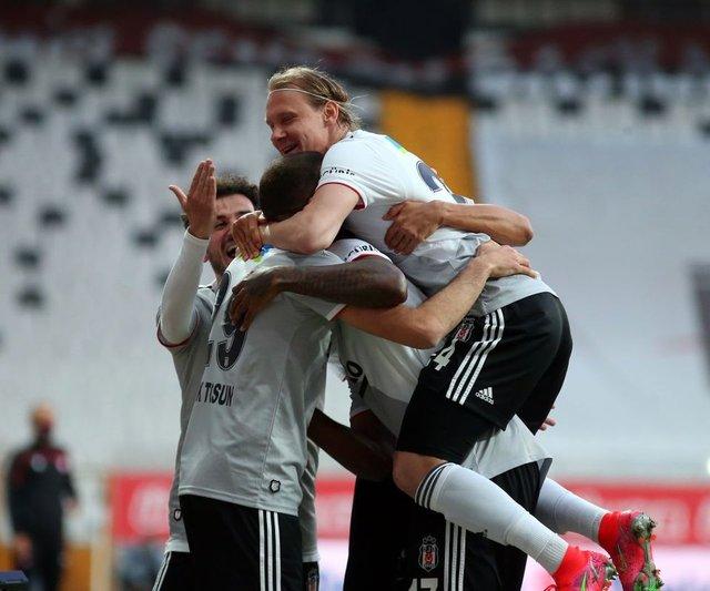 Beşiktaş Sivasspor maçı ne zaman, saat kaçta, hangi kanalda? İşte Sergen Yalçın'ın muhtemel 11'i