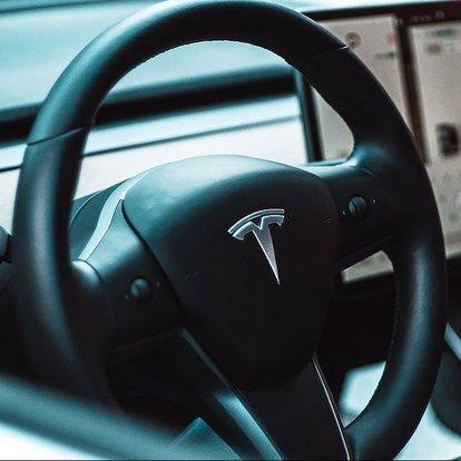 Musk'tan Tesla'nın karıştığı kaza hakkında açıklama