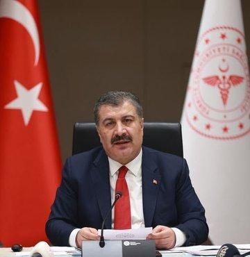"""Sağlık Bakanı Fahrettin Koca, """"100.000 nüfusa karşılık gelen haftalık vaka sayısı en çok artan illerimiz Düzce, Çanakkale, Zonguldak, Yozgat ve Yalova. Azalan illerimiz ise Kırklareli, Kilis, Samsun, Osmaniye ve Adıyaman. Vaka sayısı artış hızı azaldı. Vaka sayıları da tedbirlerle birlikte azalacak"""" dedi"""