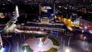 Taksim'e yapılan camiye ilk mahya