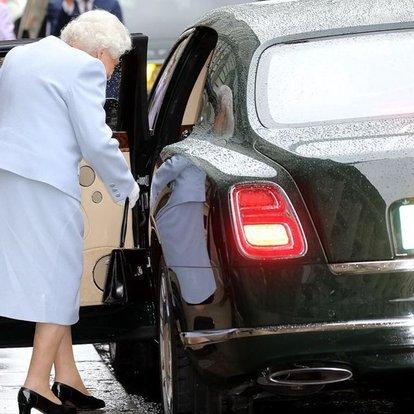 Kraliçe Elizabeth otomobilini elden çıkardı