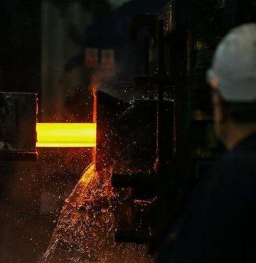 Madencilik ürünleri ihracatı, nisan ayında geçen yılın aynı dönemine göre yüzde 69.6 artarak 329 milyon 305 bin dolardan 558 milyon 471 bin dolara yükseldi.
