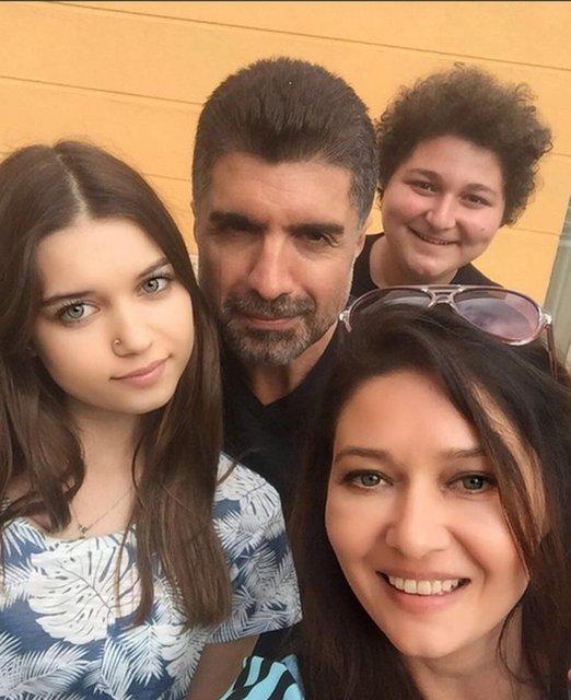 Afra Saraçoğlu: Annem Özcan Deniz'e mesaj atmış! - Magazin haberleri