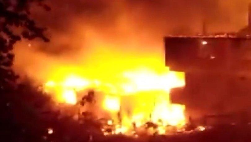 Kastamonu'da yıldırım düşmesi sonucu 6 ev alev alev yandı