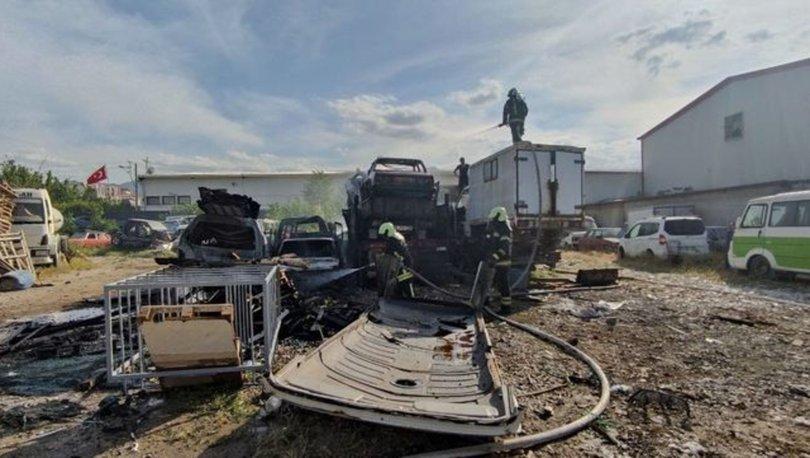 Denizli'de yediemin otoparkında çıkan yangında 9 araç zarar gördü