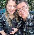 Baba olmak için gün sayan oyuncu İbrahim Büyükak, eşi Nurdan Beşen ile birlikte kamera karşısına geçti. 2018 yılında dünyaevine giren çiftten Büyükak,