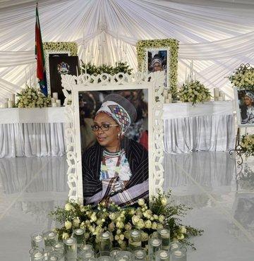 Zulu Kraliçesi Mantfombi Dlamini'ye veda