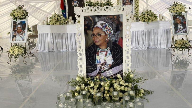 Zulu kabilesi kraliçesi Mantfombi Dlamini, kraliyet kültürüne özel bir törenle uğurlandı