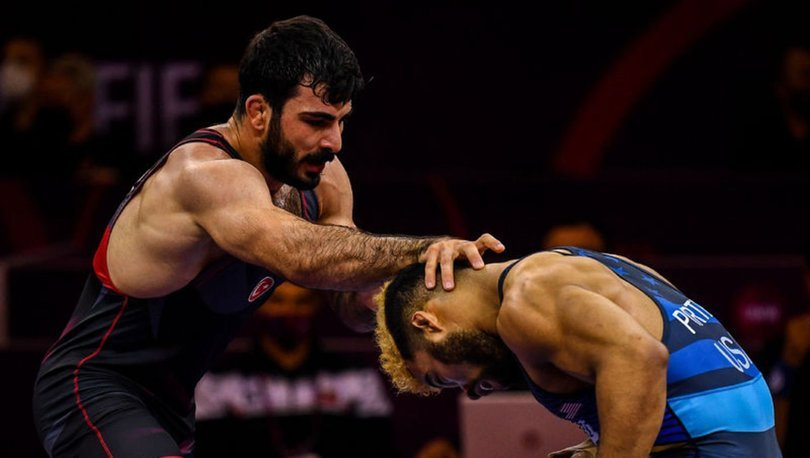 Milli güreşçi Fatih Cengiz, Tokyo Olimpiyatları Dünya Elemeleri'nde yarı finale yükseldi