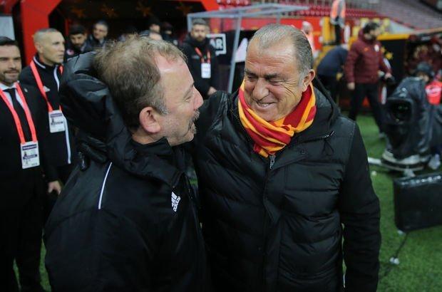 KADROLAR BELLİ! Son dakika: Galatasaray Beşiktaş derbisinin muhtemel 11'leri belli oldu! - Haberler