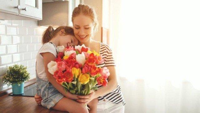 Anneler Günü mesajları yeni 2021! Anlamlı kısa ve öz anneler günü mesajları ve sözleri! Canım Annem Anneler Günün Kutlu Olsun!