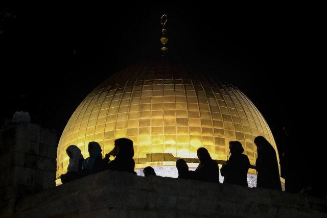 Mescid-i Aksa... SON DAKİKA: İsrail ses bomblarıyla saldırdı!