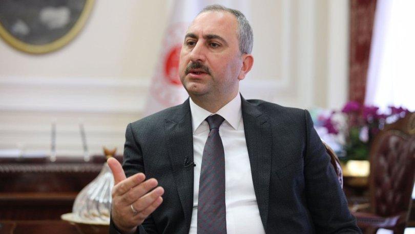 Adalet Bakanı Abdulhamit Gül, annesine yazdığı şiiri paylaştı