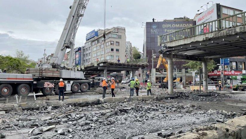 Beşiktaş Meydanı'ndaki o köprü kaldırılıyor