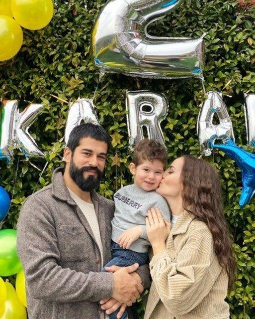 Fahriye Evcen, Karan'ı paylaştı: Poz vermeyi öğrendik - Magazin haberleri