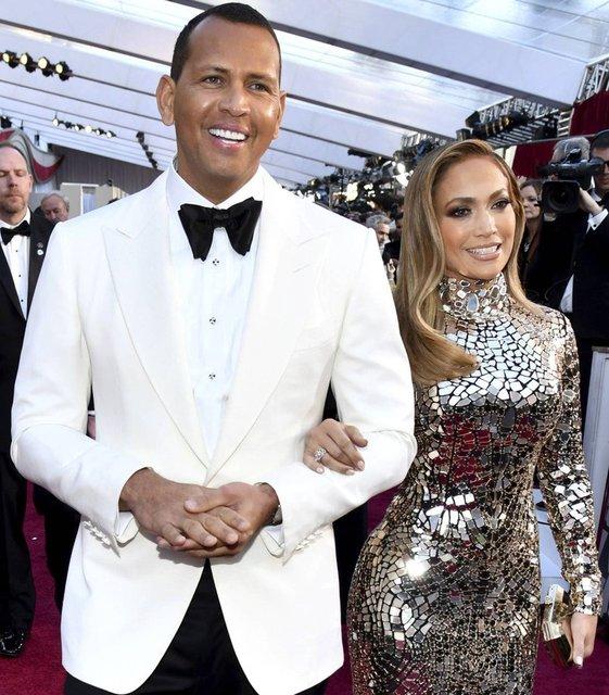 Jennifer Lopez ile Ben Affleck baş başa tatile gitti - Magazin haberleri