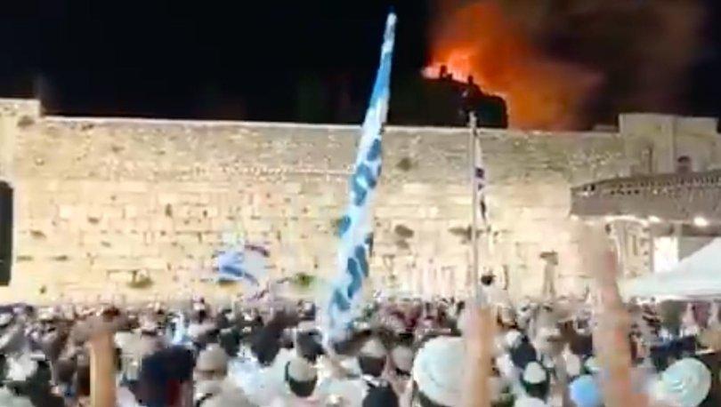VANDALLIK! Son dakika: Mescid-i Aksa yanarken kutlama yaptılar - VİDEO
