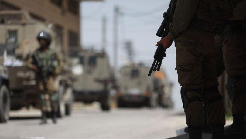 Son Dakika: İsrail'den bir saldırı daha! Filistinlilerin aracına kurşun yağdı...