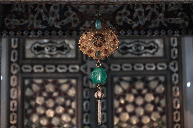 Arife Tahtı Topkapı Sarayı'nda sergilenmeye başlandı