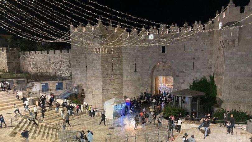 SON DAKİKA: İsrail polisi Mescid-i Aksa'daki Filistinlilere saldırdı! - Haberler