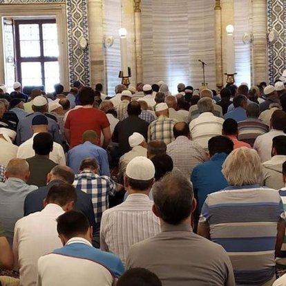 İstanbul'da bayram namazı saat kaçta kılınacak? 2021 İstanbul Ramazan Bayramı namaz vakti açıklandı