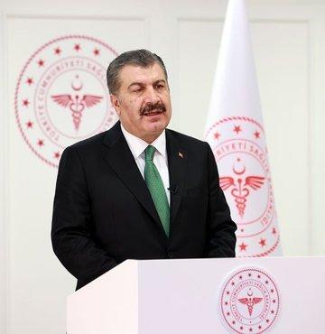 """Sağlık Bakanı Koca, """"Aşı programında yeni bir kademeye geçiyoruz. Yarından itibaren sağlık çalışanlarımızın eşlerini aşılamaya başlıyoruz"""" açıklamasında bulundu"""