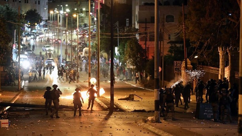 İsrail polisi Kudüs'te Filistinlilere saldırdı: 18 yaralı