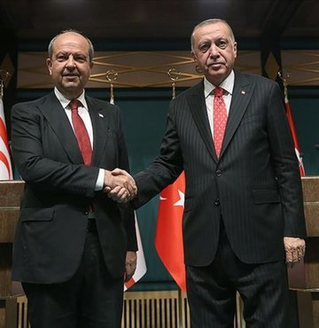 Cumhurbaşkanı Recep Tayyip Erdoğan, Kuzey Kıbrıs Türk Cumhuriyeti (KKTC) Cumhurbaşkanı Ersin Tatar ile telefon görüşmesi gerçekleştirdi