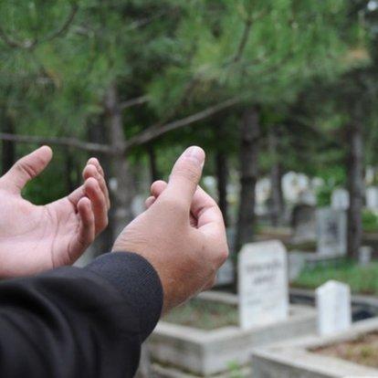 Kabir ziyaretlerinde okunacak dualar nelerdir? Peygamber Efendimizin kabir ziyaretinde okuduğu dua