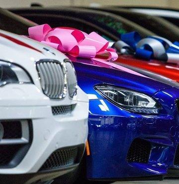 Birçok otomobil markası, büyük çoğunluğu tam kapanma ile geçen Mayıs ayında tüketicileri unutmadı. Mayıs ayına özel kampanyalar hazırlayan markalar, otomobil sahibi olmak isteyenlere çeşitli indirimlerin yanı sıra sıfır faizli ödeme seçenekleri de sunuyor. Mayıs sonuna kadar devam edecek otomobil kampanyalarının detayları haberimizde...