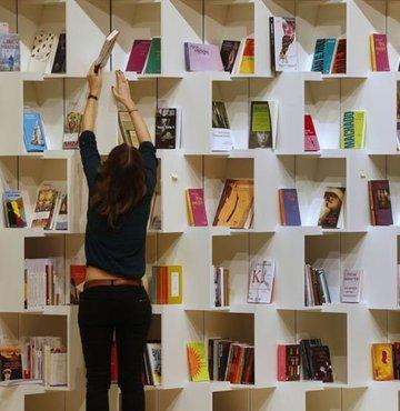 Biyografiden öyküye, araştırmadan romana, anıdan şiire bu hafta da onlarca yeni kitap okurla buluştu. İşte bu haftanın yeni çıkan kitaplarından sizin için seçtiklerimiz... Keyifli okumalar...