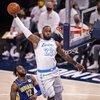 Lakers, umudunu son maça taşıdı