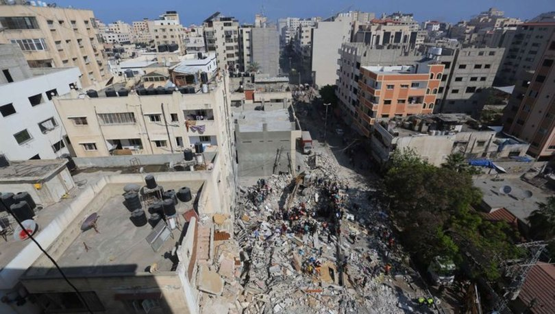 SON DAKİKA: İsrail Gazze'de bakanlıkların bulunduğu binayı bombaladı!