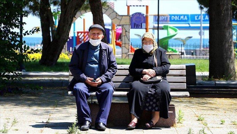 65 yaş üstü sokağa çıkma yasakları değişti! 65 yaş üstü sokağa çıkma yasağı ve toplu taşıma kullanımı