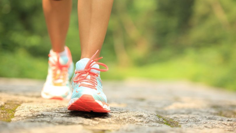 Günde 10 bin adım yerine 4 bin 400 adım atmak ciddi hastalıklardan korumak için yeterli olabilir - Haberler