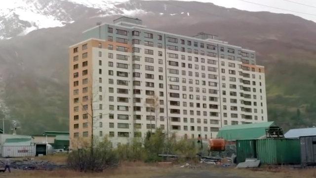 SON DAKİKA! Tek apartmandan oluşan şehir... Öğrenci yurdunu andırıyor ama...