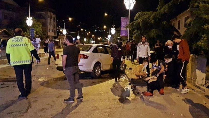 Sakarya'da 3 aracın karıştığı zincirleme kazada 5 kişi yaralandı