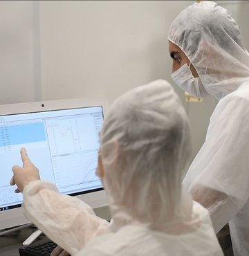Son dakika... Sağlık Bakanlığı yeni koronavirüs tablosunu açıkladı. Bugün 11.937 yeni vaka tespit edildi, 203 hasta ise hayatını kaybetti.
