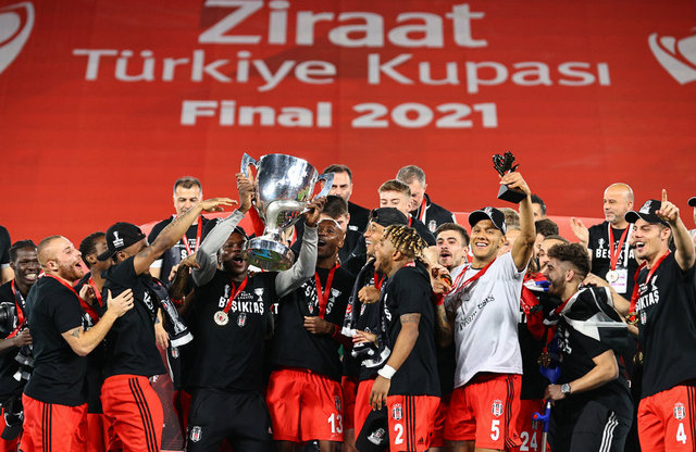 Beşiktaş'ın çifte kupa coşkusu! İşte o anlar...