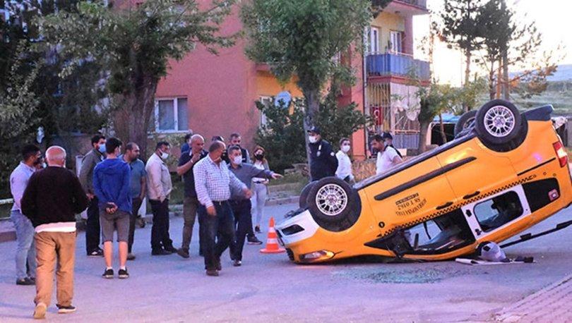 Sivas'ta taksi ile otomobil çarpıştı: 7 yaralı