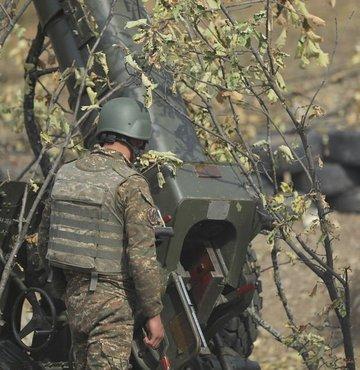 Ermenistan Savunma Bakanlığı, Azerbaycan sınırına uyarı ateşi açtıklarını açıkladı