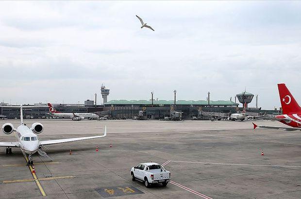 Atatürk Havalimanı'nda Almanya'ya gitmeye çalışan göçmen yakalandı