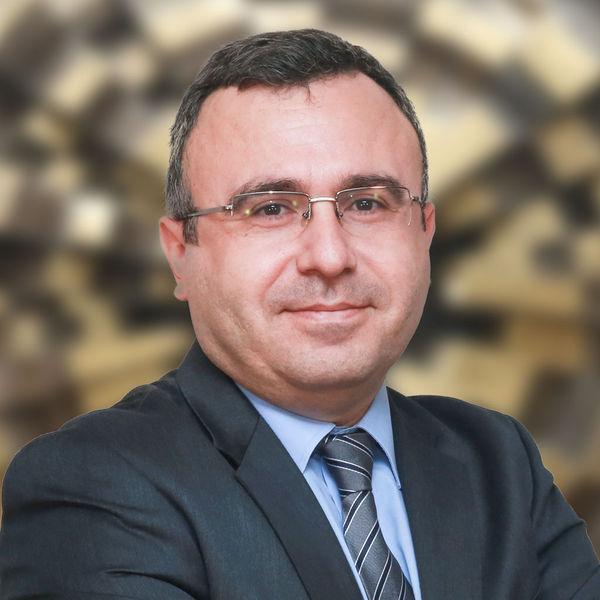 Prof.  Dr. Semih T & uuml; men