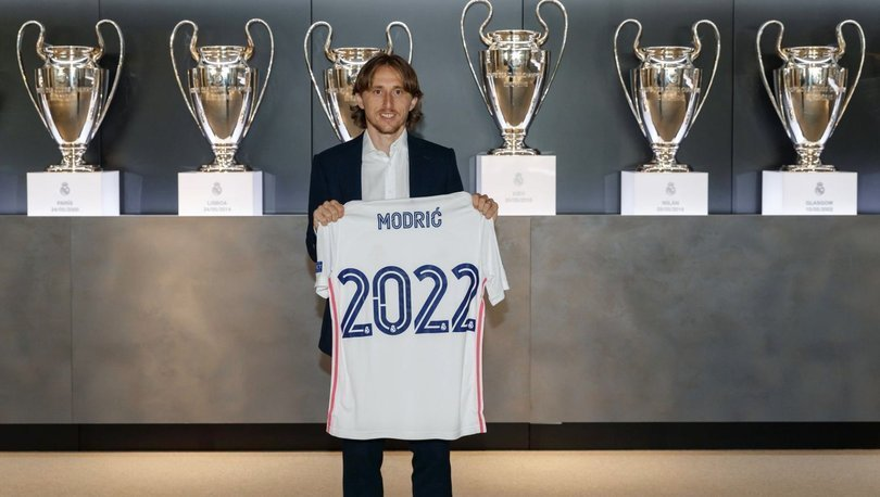 Real Madrid, Luka Modric'in sözleşmesini 1 yıl uzattı