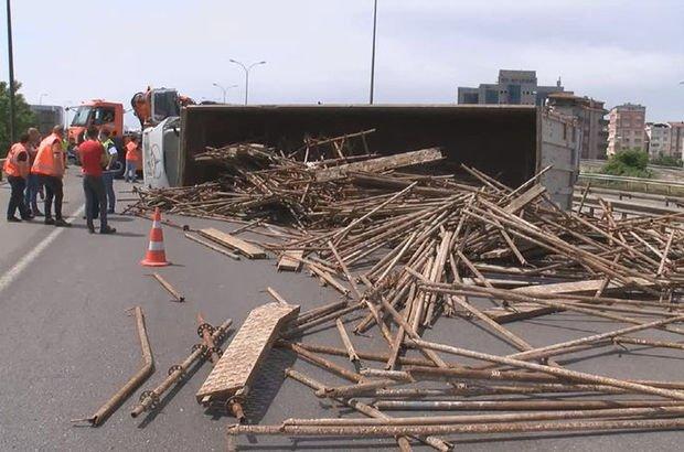 Samandıra TEM Otoyolu'nda kaza! Yol trafiğe kapandı!