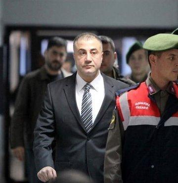 Ankara Cumhuriyet Başsavcılığı, Organize suç örgütü soruşturması kapsamında aranan ve bir süredir yaptığı Youtube yayınlarıyla birtakım iddiaları dile getiren Sedat Peker hakkında yakalama kararı çıkardı