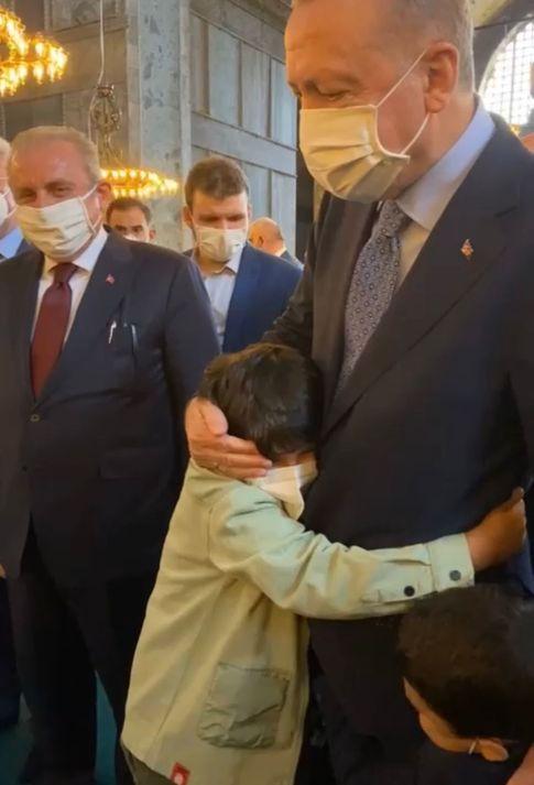 Haberler: Cumhurbaşkanı Erdoğan Ayasofya'da! İcazet törenine katıldı ve...  | Gündem Haberleri