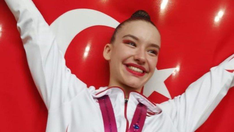 Dünya şampiyonu milli cimnastikçi Ayşe Begüm Onbaşı: