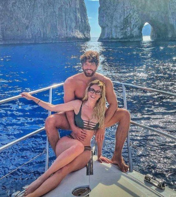 Can Yaman ve Diletta Leotta, Capri'de - Magazin haberleri