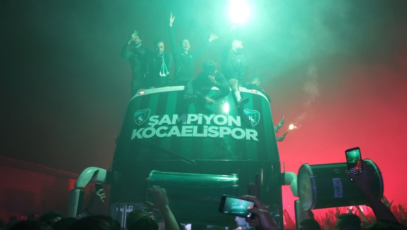 Kocaelisporlu futbolcu şampiyonluk turunda otobüsten düştü!